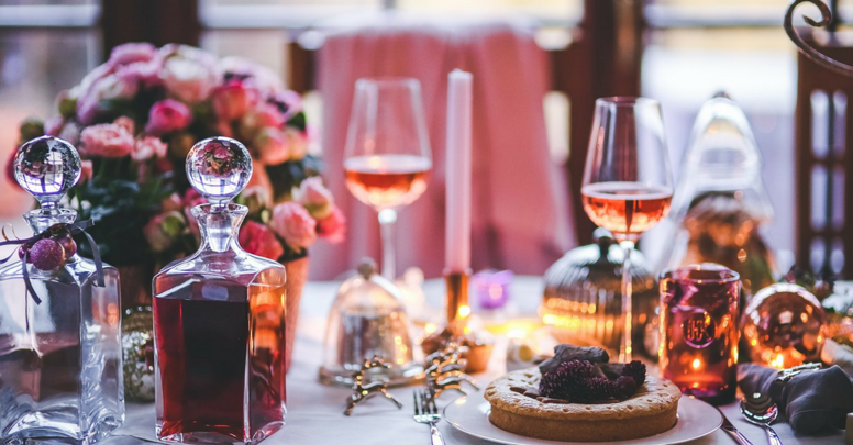 Deck the (Dining) Hall: 6 Tablescape Inspirations for Your Christmas Party