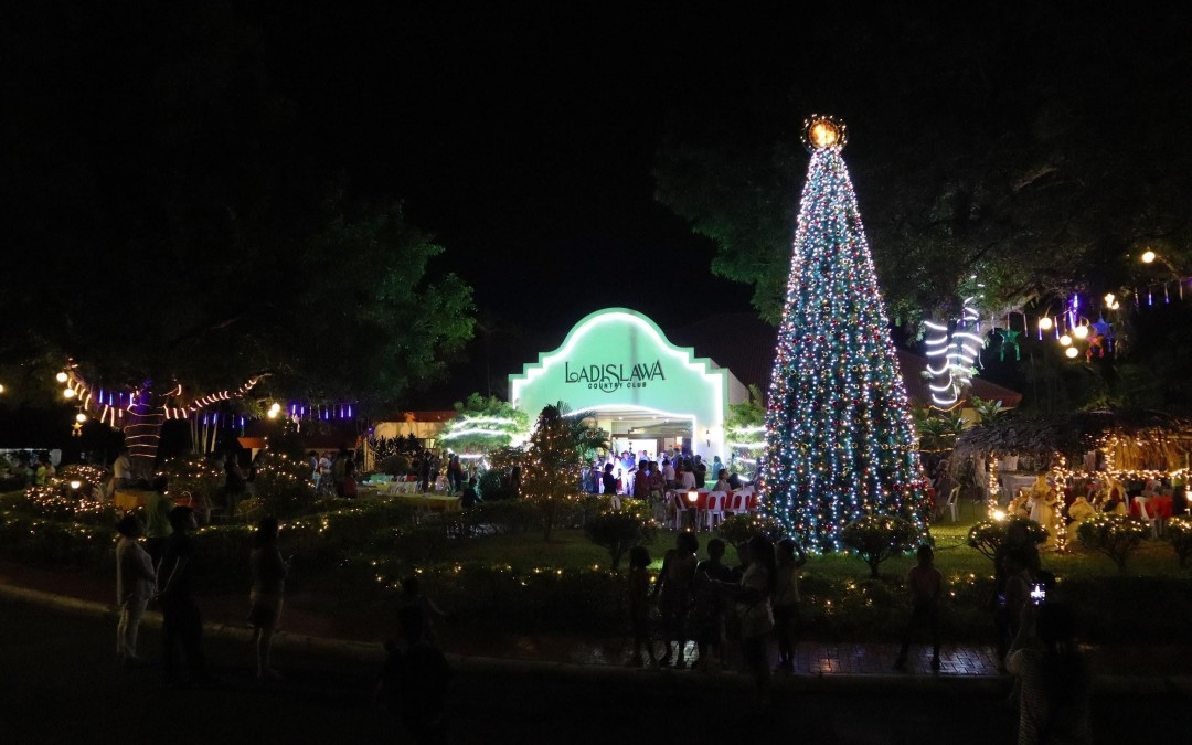 Ladislawa Garden Village lights up for Christmas